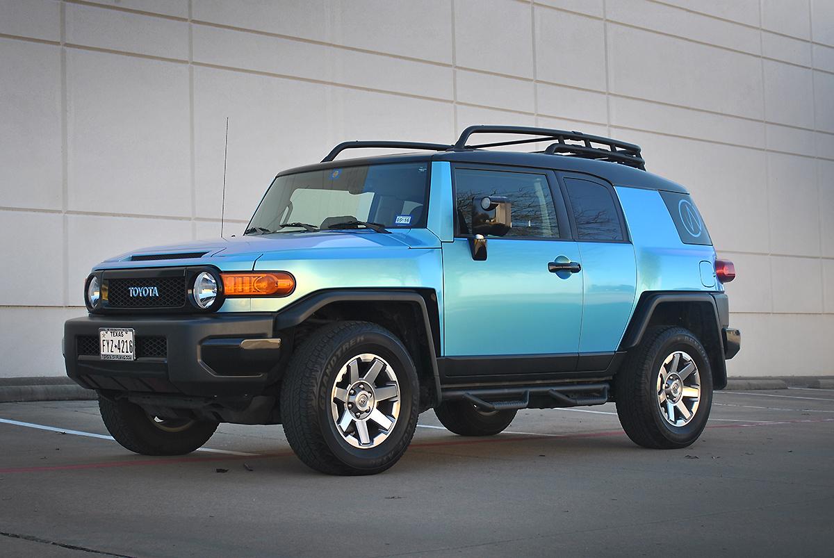 fj cruiser shifting aquamarine color change wrap car wrap city. Black Bedroom Furniture Sets. Home Design Ideas