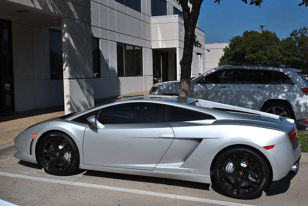 Transforming A Lamborghini Gallardo With Black Brushed